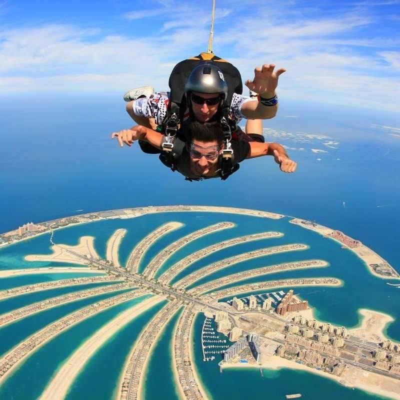 saut en parachute burj khalifa