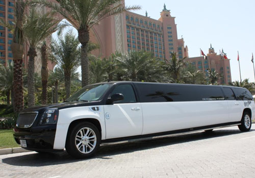 LIMOUSINE JAMES BOND DESTINATION DUBAI VIP