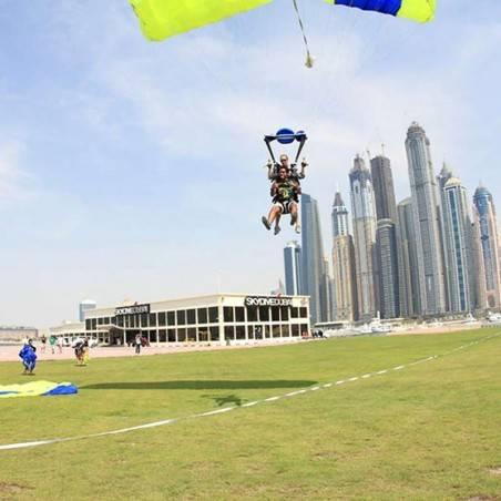 Saut en Parachute Skydive Dubai
