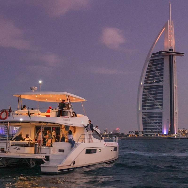 Croisière en yacht coucher soleil et bbq
